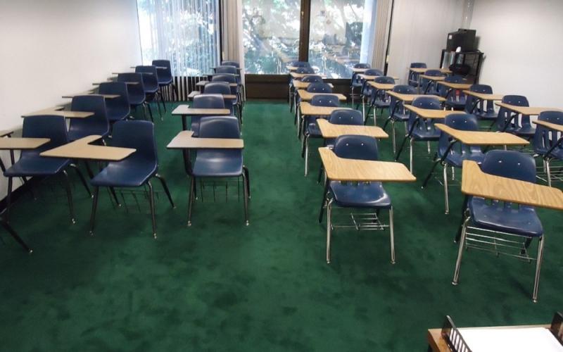 No a un colegio concertado en Los Lirios