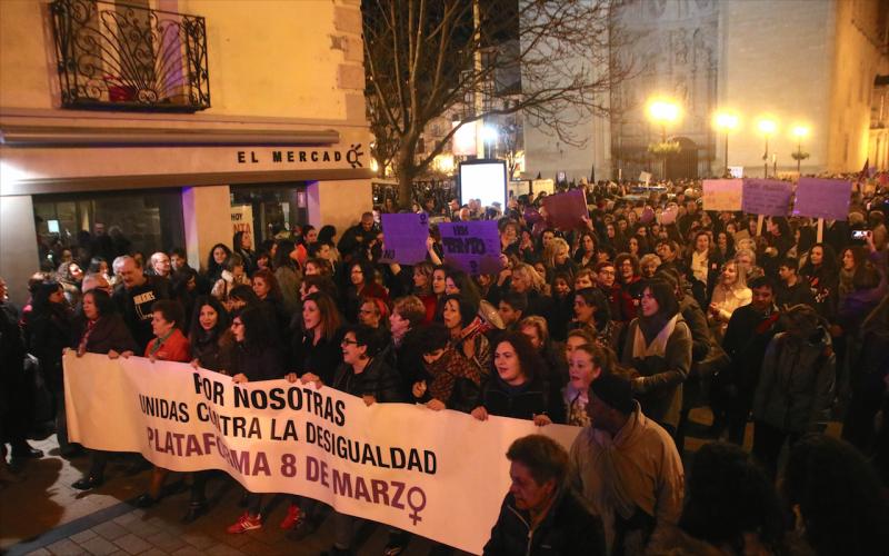 Multitudinaria manifestación contra la desigualdad