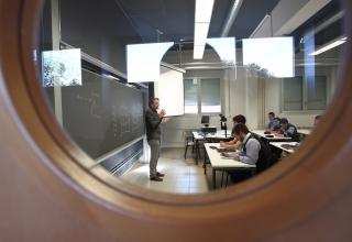 profesor en clase