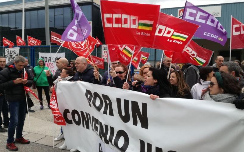 Huelga de los trabajadores de Arluy para reclamar un convenio justo