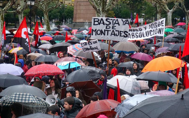 Masiva manifestación para pedir la absolución de Jorge y Pablo