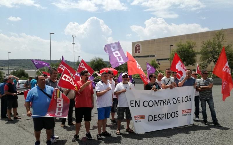 Los trabajadores de Ramondin piden la readmisión de un compañero
