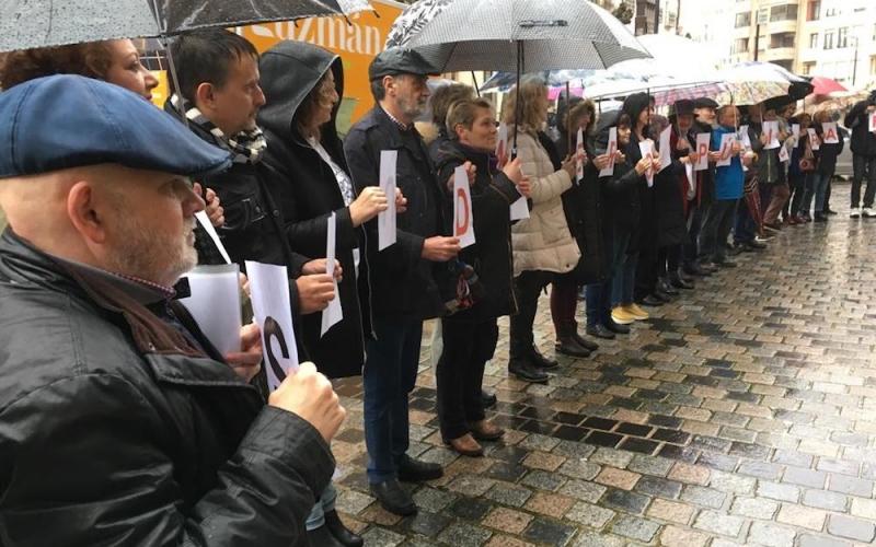En contra de regalar más dinero a la sanidad privada en La Rioja