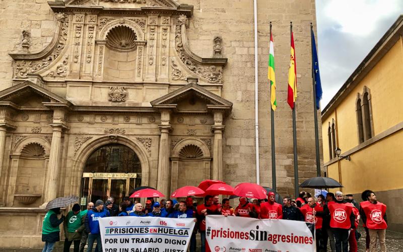 CCOO lleva las reivindicaciones de los trabajadores de prisiones al Parlamento de La Rioja