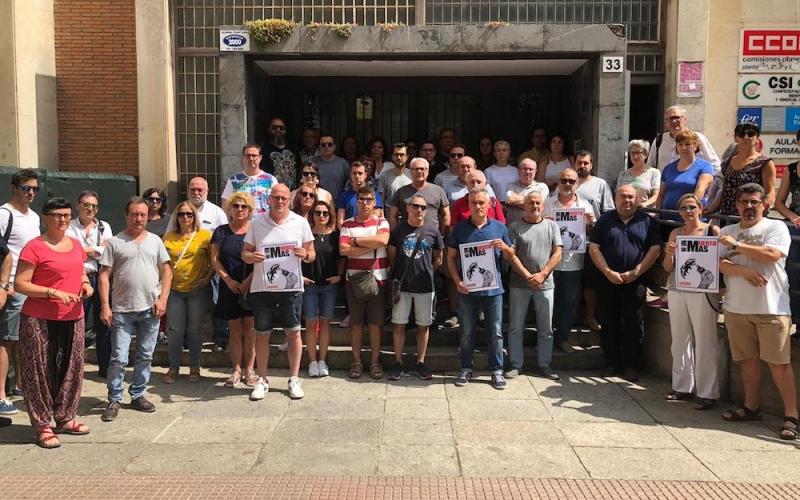 Minuto de silencio por el trabajador fallecido en un accidente laboral en Logroño