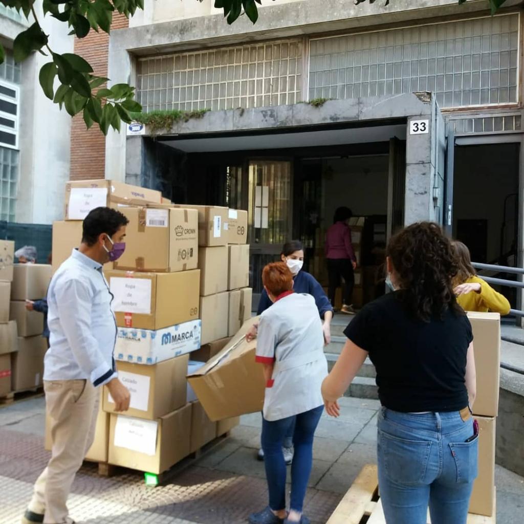 Refugiados, recodida, ropa, solidario