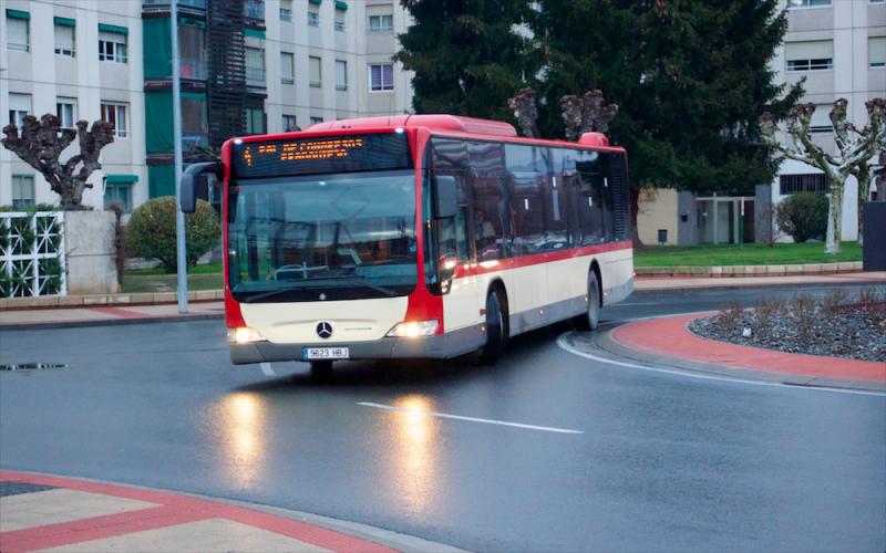 Convocamos un minuto de silencio por la muerte del trabajador que falleció conduciendo el autobús en Villamediana